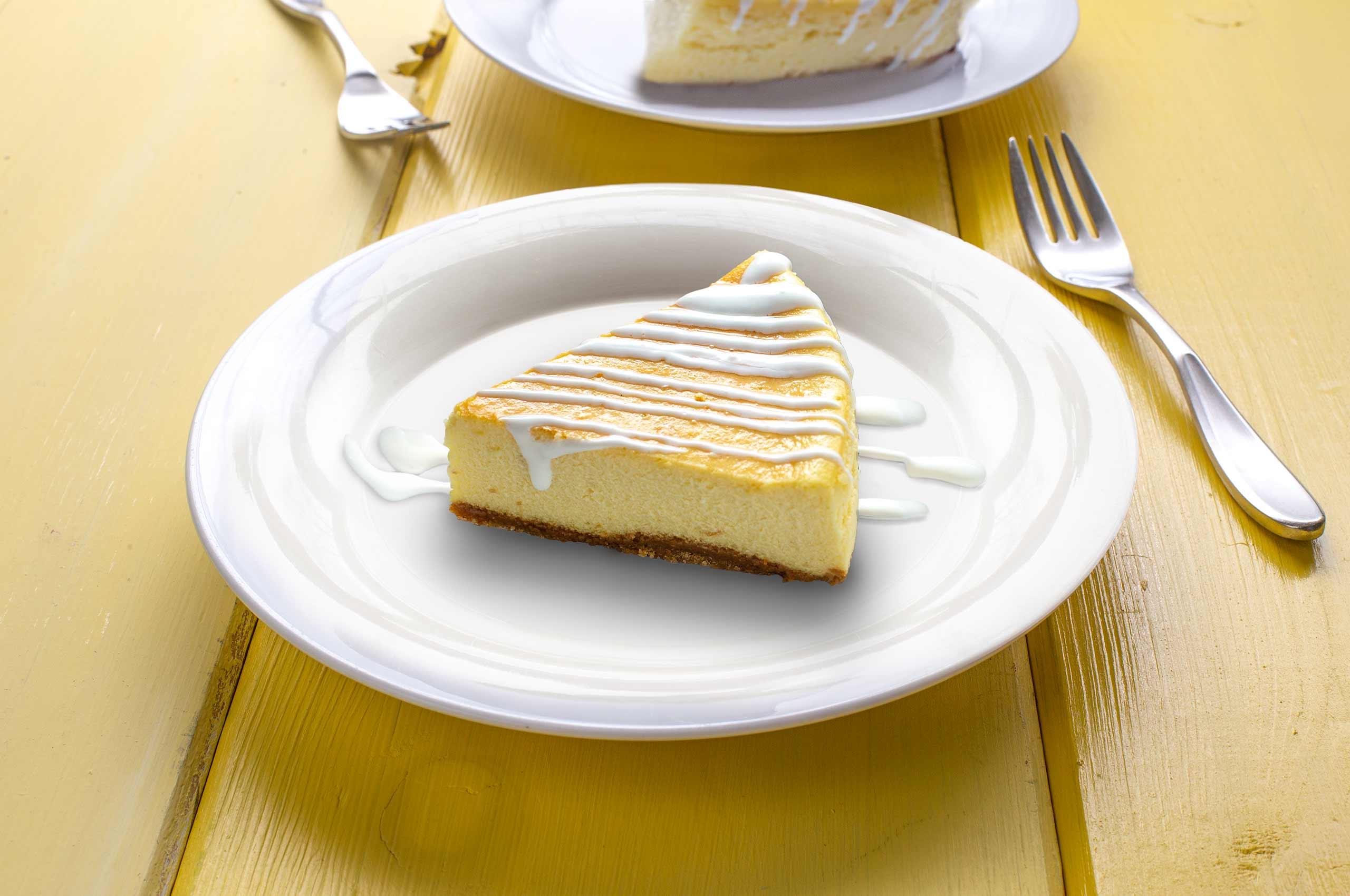Cheesecake with citrus sour cream sauce